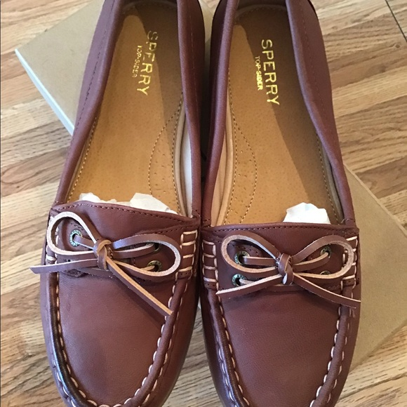 NWT Ladies Sperry TopSider Boat Shoes Size 7
